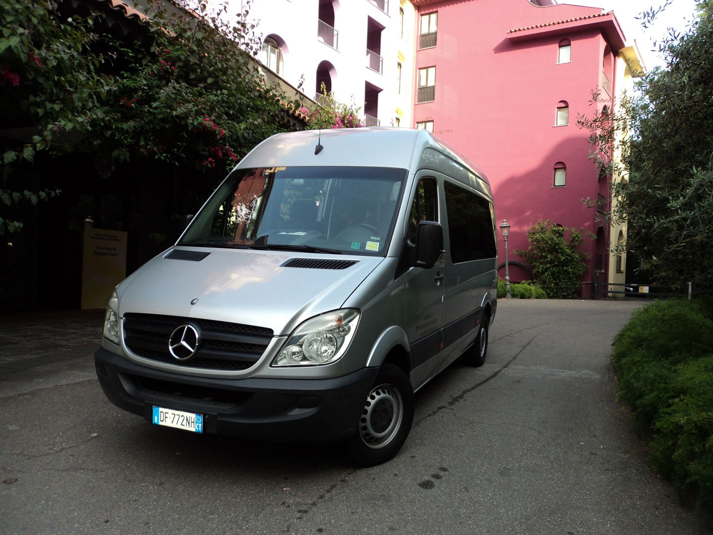 9-seater van hire with driver. PHOTO