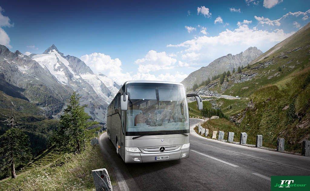 jonicatour bus into sicily territory