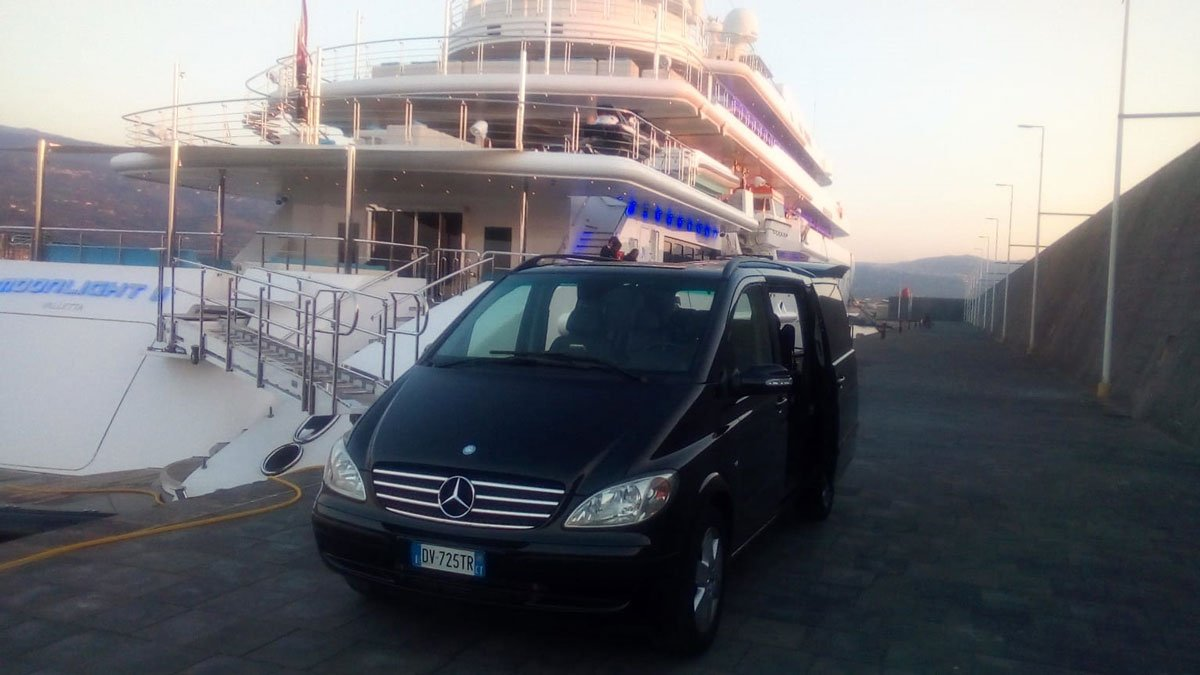 Hire car with driver for cruise passengers at port of Catania
