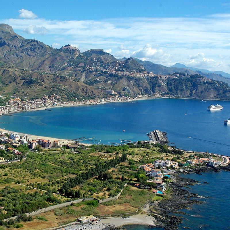 Бей-оф-Таормина-Сицилия